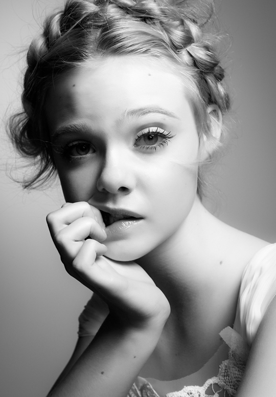 elle fanning 2010. Twelve years old Elle Fanning,
